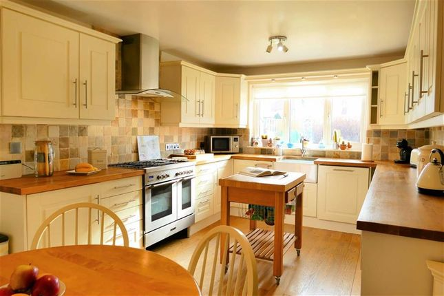 Thumbnail Detached house for sale in Fairway, Calne