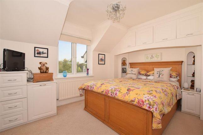 Bedroom 1 of The Lakes, Larkfield, Aylesford, Kent ME20