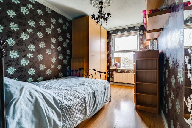 Bedroom of Norfolk Avenue, Leigh-On-Sea SS9