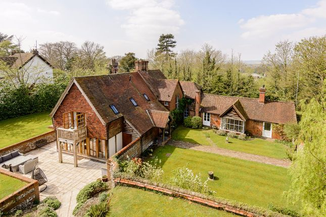 Thumbnail Detached house for sale in Hawks Hill, Bourne End