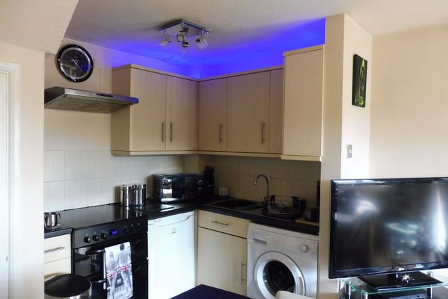 1 bed terraced house for sale in High Beeches, High Wycombe