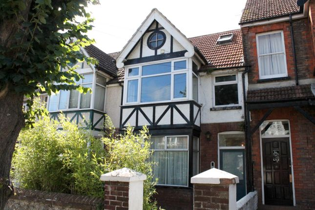 Thumbnail Flat to rent in Pavilion Road, Broadwater, Worthing