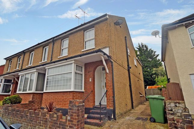 3 bed property to rent in London Colney, St Albans AL2