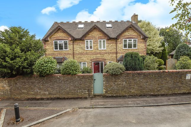 Thumbnail Detached house for sale in Castle Road, Fairfields, Basingstoke