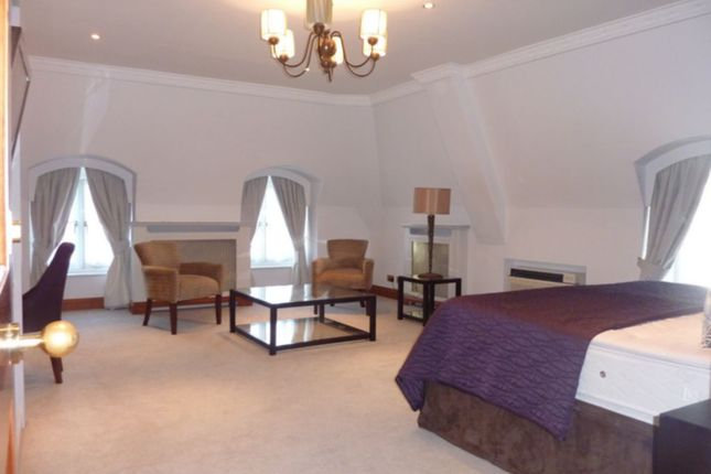 Thumbnail Flat to rent in Prince Of Wales Terrace, Kensington W8, London,