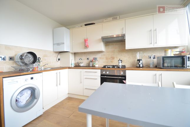 Thumbnail Maisonette to rent in Pownall Road, Broadway Market, London Fields, Hackney, London