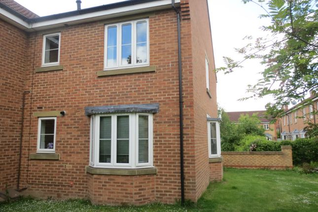 Thumbnail Flat to rent in Willowbrook Close, Norton