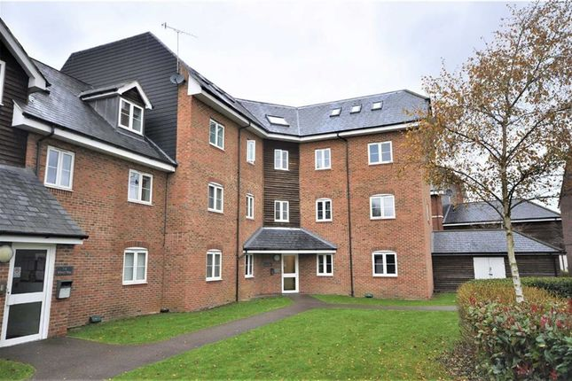 Thumbnail Flat for sale in Wharf Way, Hunton Bridge, Kings Langley