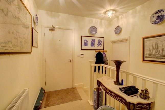 Entrance Hall 2 of Hayle Mill Road, Maidstone ME15