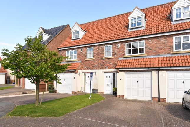 Thumbnail Terraced house to rent in Fieldside Court, Tadcaster