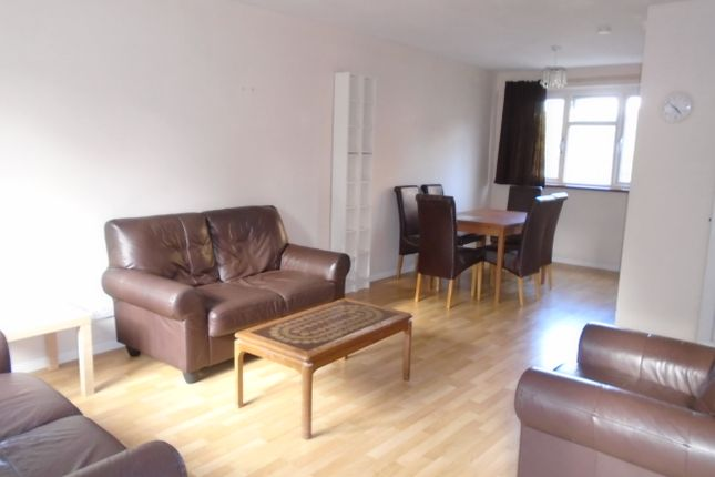 Thumbnail Terraced house to rent in Burnt Ash Road, Lee