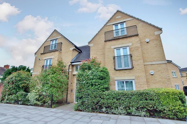 Thumbnail Flat to rent in Spring Grove Road, Isleworth