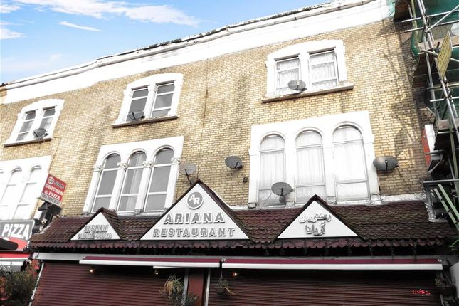 2 bed flat for sale in Telegraph Mews, Ilford, Essex