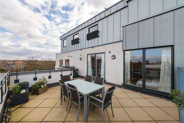 3 bed flat for sale in Cherwell House, Elmfield Road, London