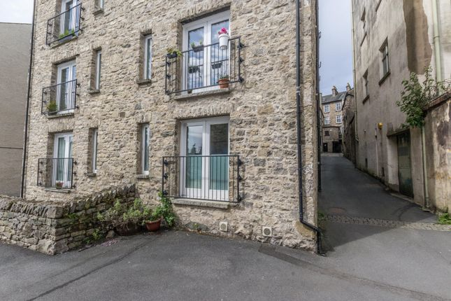 Thumbnail Flat for sale in Highgate, Kendal