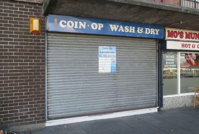 Retail premises to let in Sticker Lane, Bradford