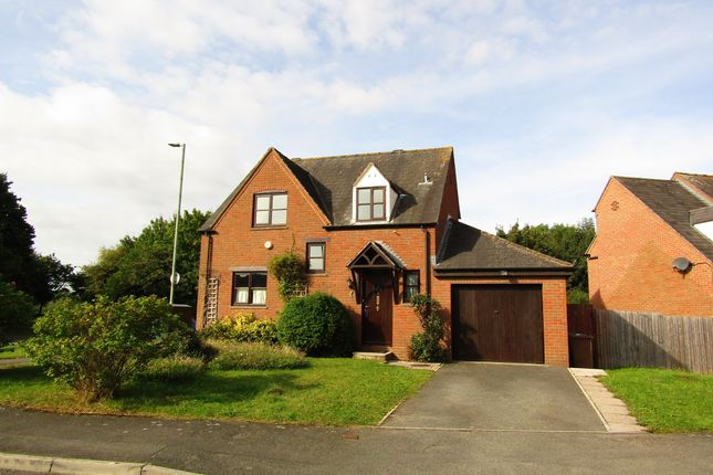 4 bed detached house to rent in Sweetbriar Close, Bishops Cleeve, Cheltenham GL52