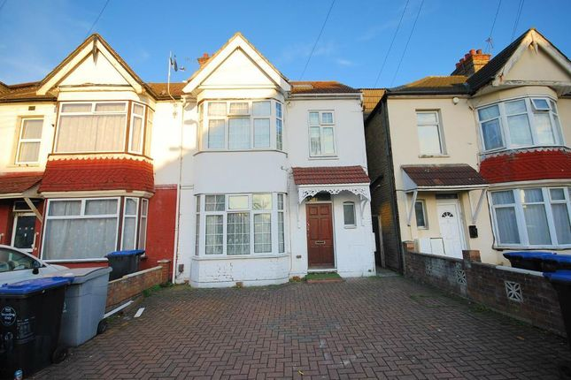 Thumbnail End terrace house to rent in Scarle Road, Wembley, Middlesex