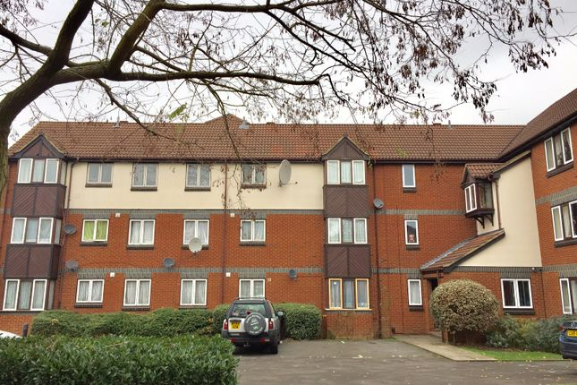 Thumbnail Flat for sale in Swaythling Close, Edmonton