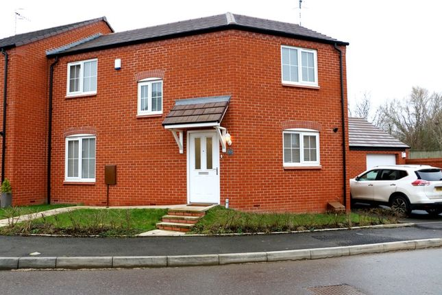 3 bed semi-detached house for sale in Chestnut Way, Alcester, Warwickshire