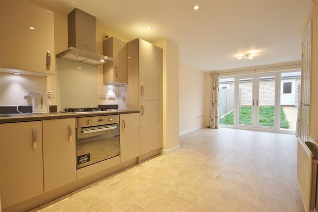 Thumbnail Terraced house to rent in Whittington Crescent, Wantage