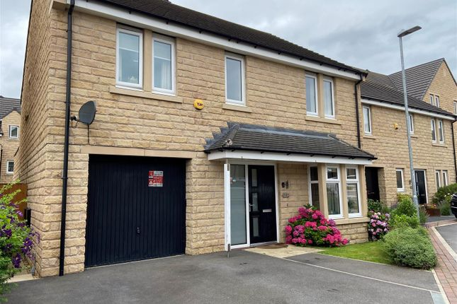 4 bed detached house for sale in Moor Croft Close, Mirfield WF14