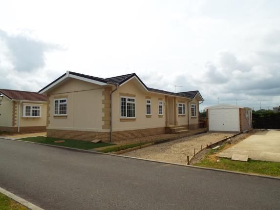 2 bed mobile/park home for sale in Witchford, Ely, Cambridgeshire