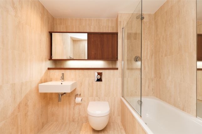 Bathroom of The View, City Lofts, 7 St. Pauls Square S1