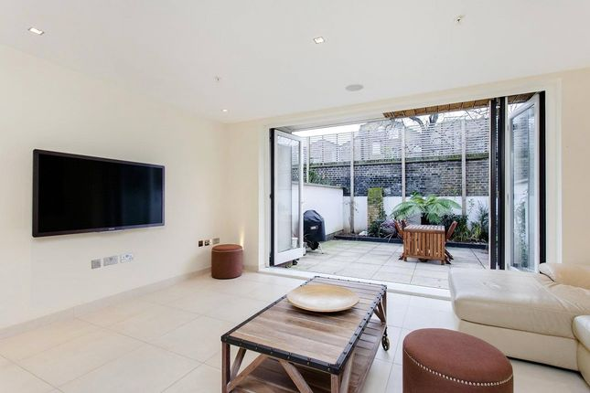 Thumbnail Property to rent in Willow Walk, Islington, London