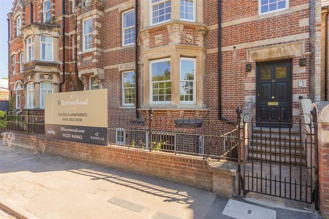 Thumbnail Flat for sale in Barton Road, Cambridge