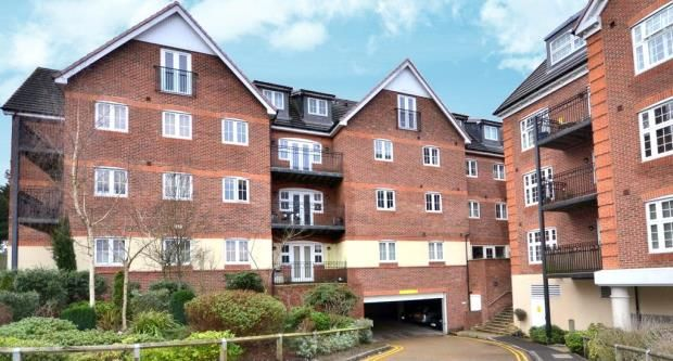 Thumbnail Flat for sale in Dorchester Court, 283 London Road, Camberley