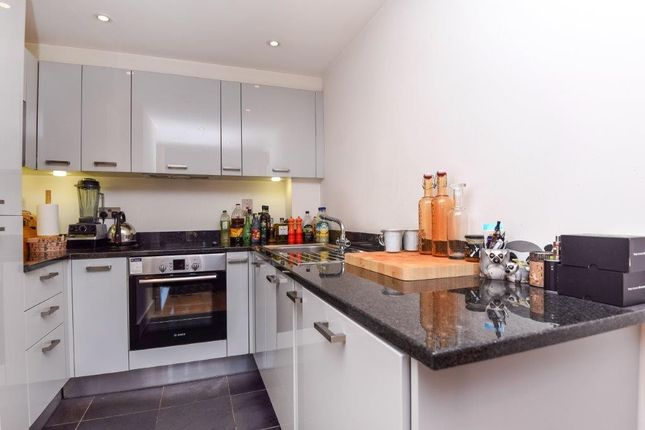 Thumbnail Flat for sale in Streatham Place, Streatham