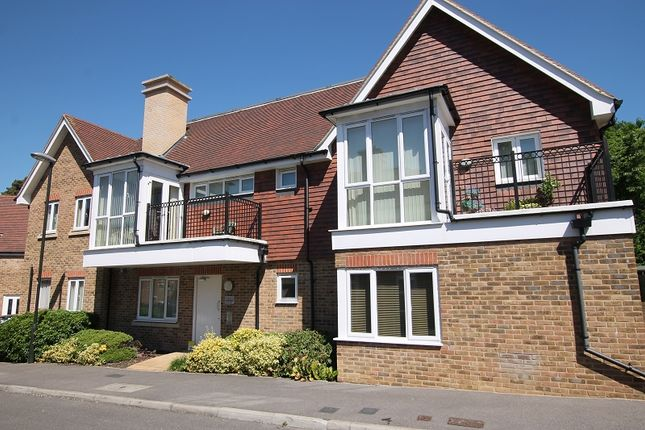 Thumbnail Flat for sale in Stone Court, Crawley, West Sussex.