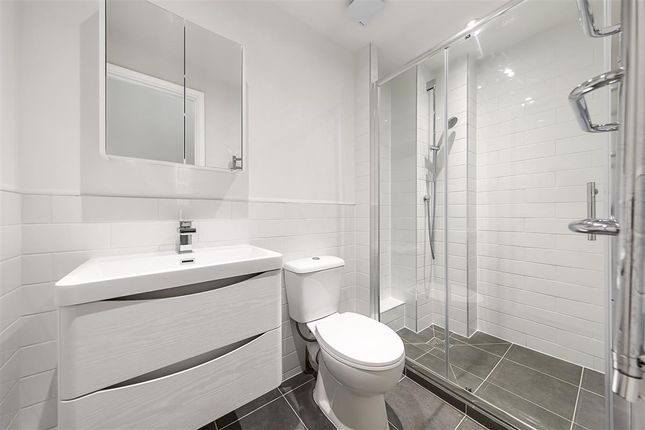 Shower Room of Westmoreland Terrace, London SW1V