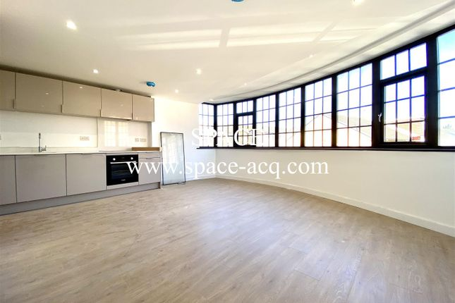 Thumbnail Flat to rent in Fitzwilliam House, Comer Crescent, Southall