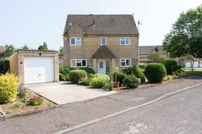 Thumbnail Semi-detached house for sale in Lamberts Field, Bourton-On-The-Water, Cheltenham