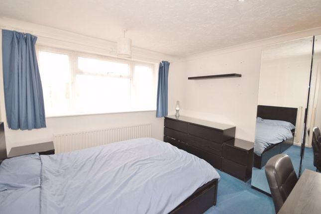 Bedroom of Brookside, Weston Turville, Aylesbury HP22