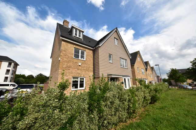 5 bed detached house to rent in Woodland Road, Chigwell IG7