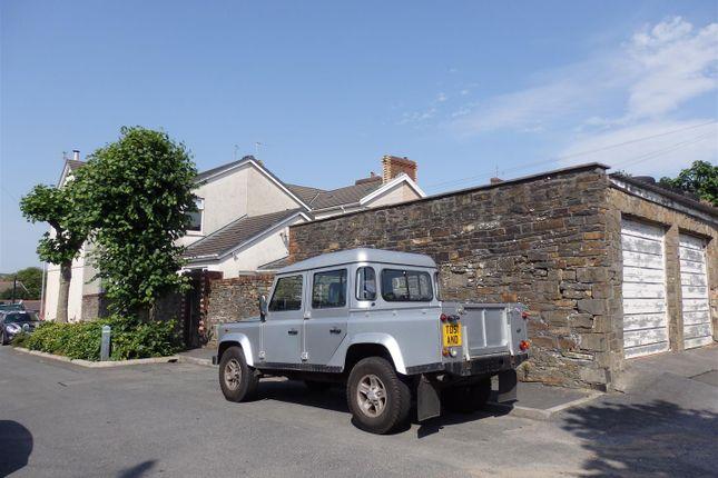 P7230041 of College Hill, Llanelli SA15