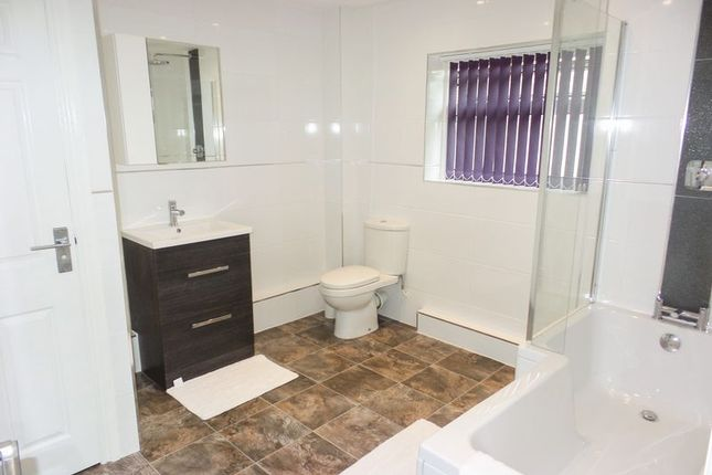 Thumbnail Property to rent in Dome Caravan Park, The Spur, Lower Road, Hockley