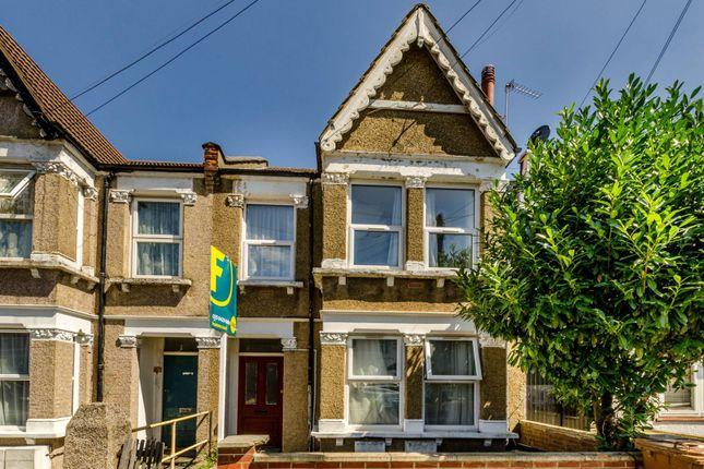 Thumbnail Flat to rent in Wolseley Road, Harrow Weald