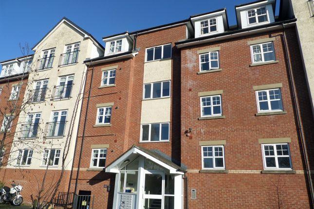 2 bed property to rent in Wilderspool Causeway, Warrington