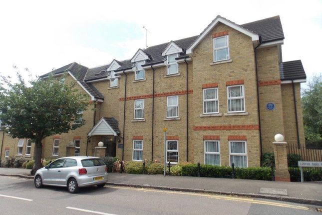 Thumbnail Flat to rent in Lower Park Road, Loughton