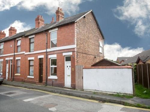 Thumbnail End terrace house to rent in Dale Street, Chester