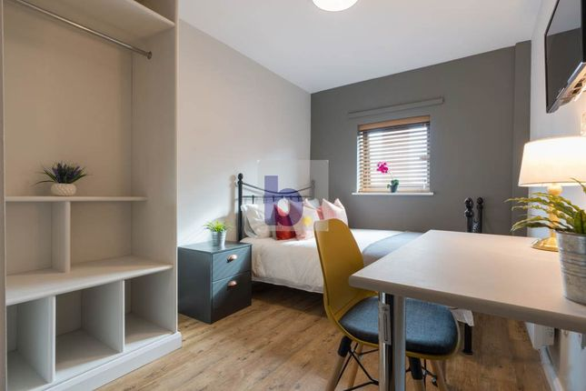 Thumbnail Flat to rent in Byron Street, Newcastle Upon Tyne