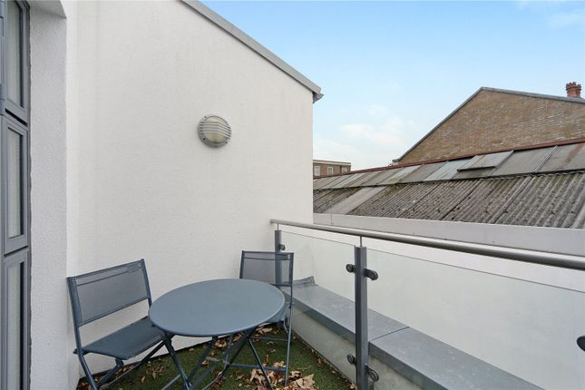 Terrace of Gerards Place, London SW4