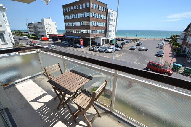 Thumbnail Flat to rent in Hampton Court, Brighton Road