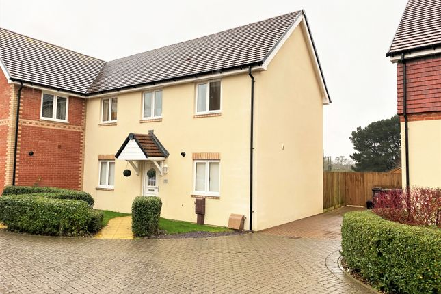 3 bed semi-detached house to rent in Doyle Close, Havant PO9