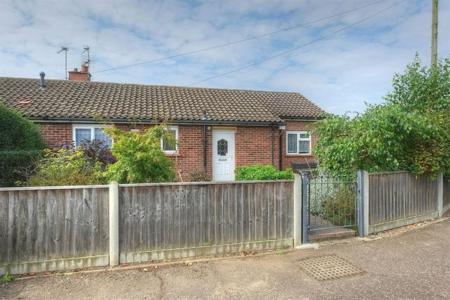 2 bed bungalow for sale in Aldis Road, Acle, Norwich NR13