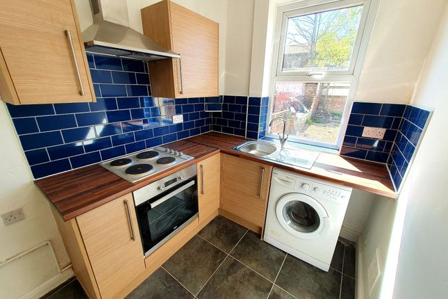 Thumbnail Terraced house to rent in Stoneclose Avenue, Hexthorpe